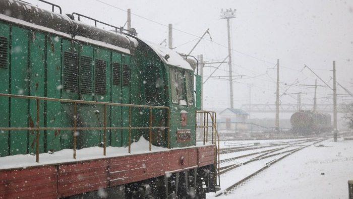 Метель поезд Государственное предприятие Донецкая железная дорога Донецкая народная республика