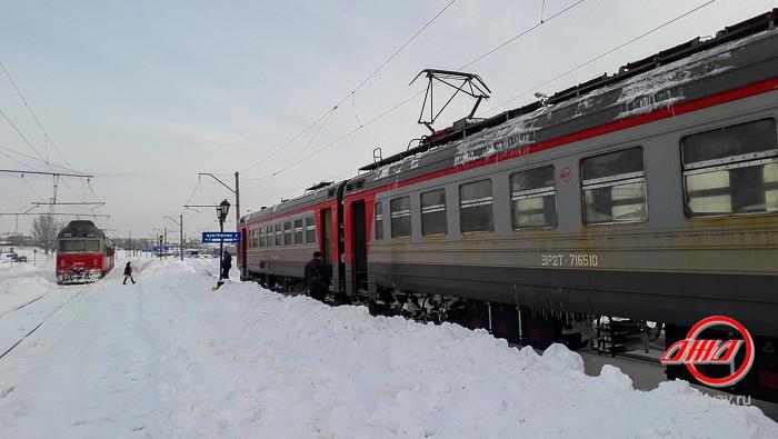Электричка служба пассажирских перевозок ГП Донецкая железная дорога зима снег