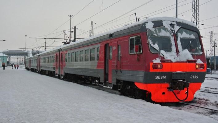 Зима пригородная электричка ГП Донецкая железная дорога