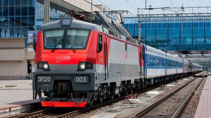Электричка Пассажирская служба Донецкая Железная дорога поезд вагоны пути вокзал архитектура