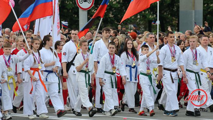 Митинг 5 лет ДНР Государственное предприятие Донецкая железная дорога Донецкая народная республика
