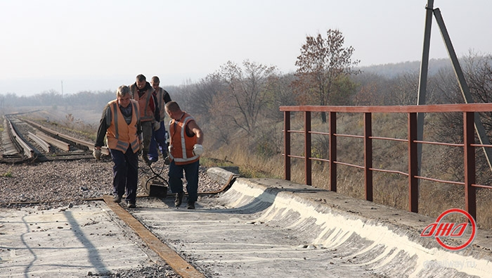 Мост ремонт Государственное предприятие Донецкая железная дорога Донецкая народная республика