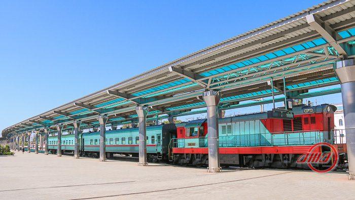 Поезд перрон Пассажирская служба Государственное предприятие Донецкая железная дорога Донецкая народная республика