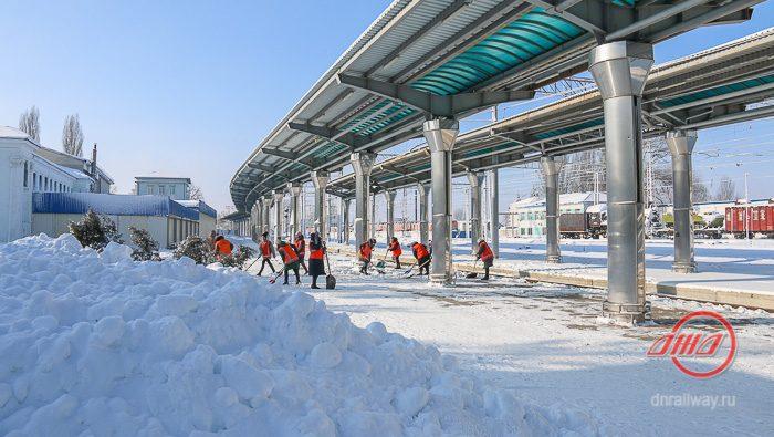 Снег вокзал Донецк Государственное предприятие Донецкая железная дорога Донецкая Народная республика
