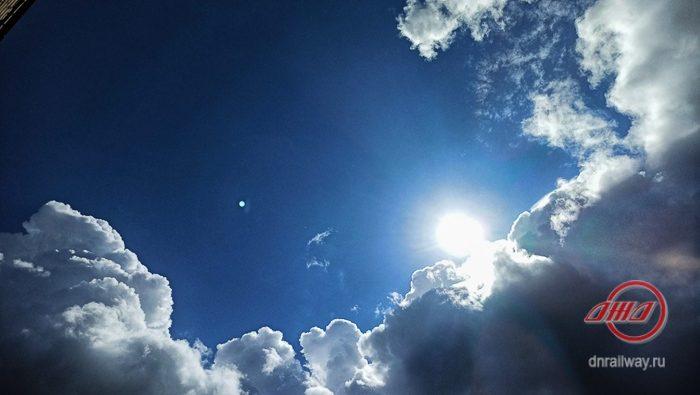 Погода небо солнце облака Государственное предприятие Донецкая железная дорога Донецкая железная дорога Трансграничный концерн Железные дороги Донбасса